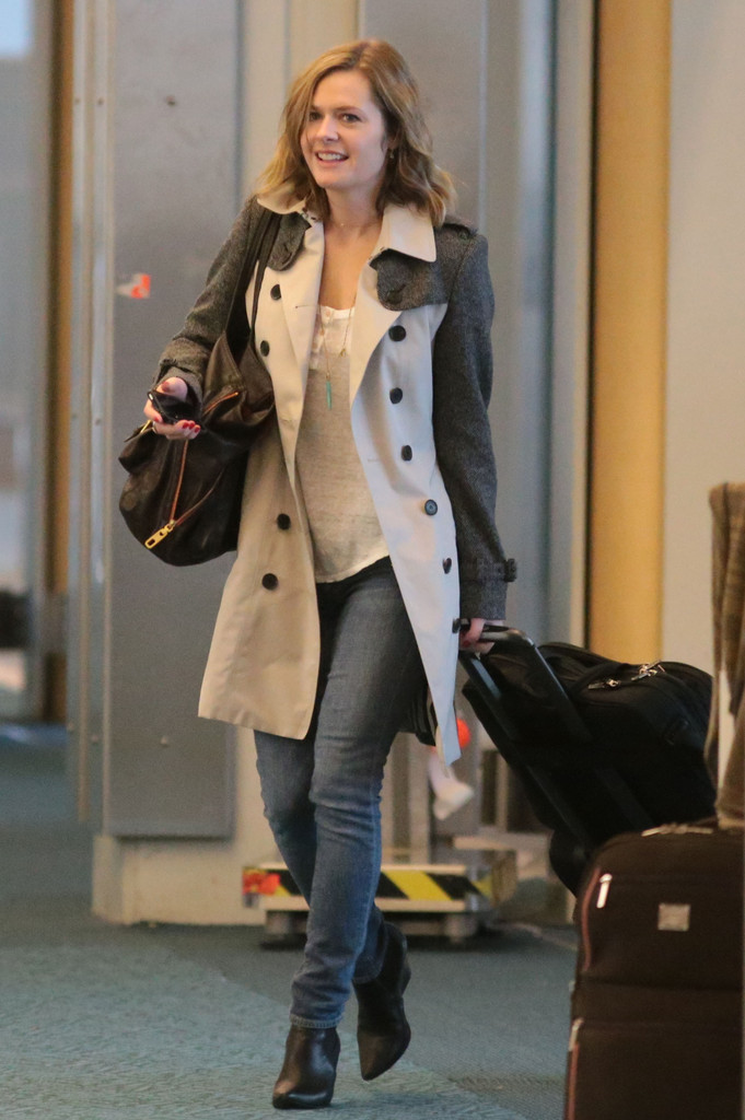 Maggie Lawson Jeans Images