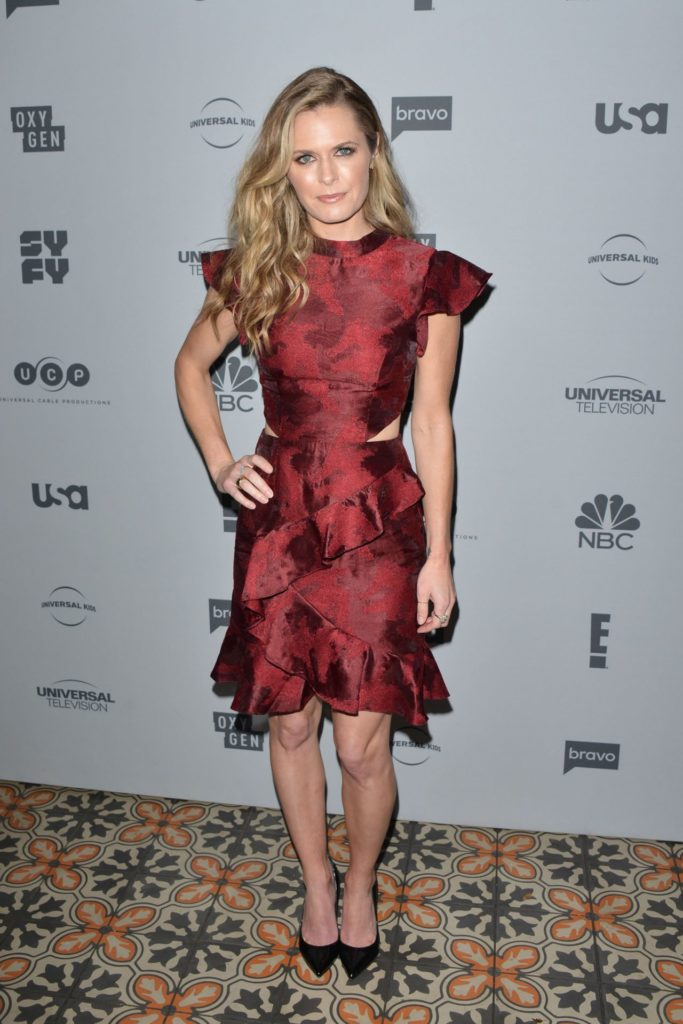 Maggie Lawson Legs Pictures