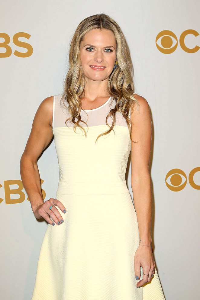 Maggie Lawson Muscles PHotos