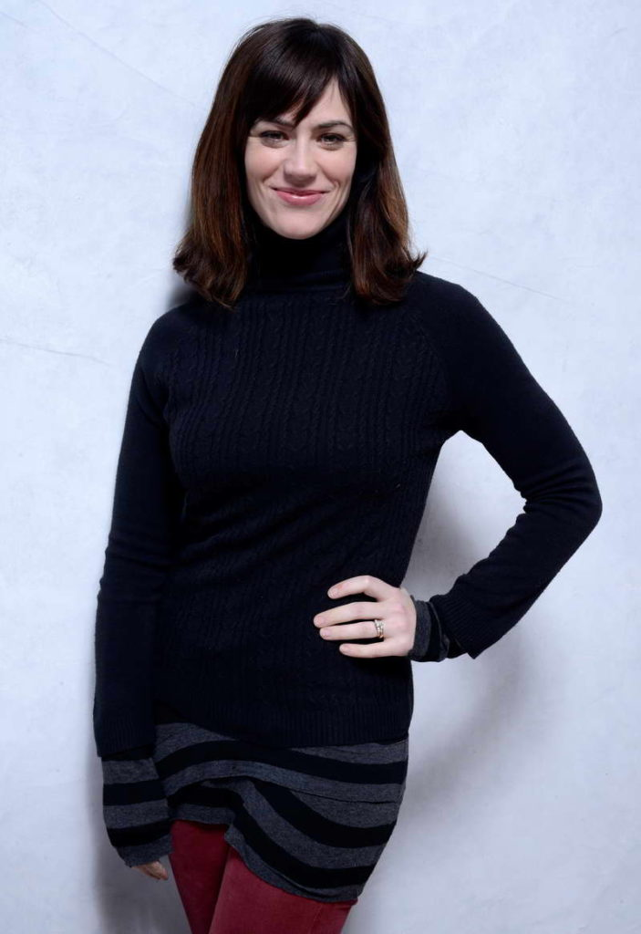 Maggie Siff Jeans Photos