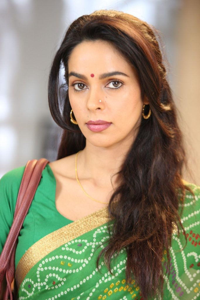 Mallika Sherawat Saree Photos