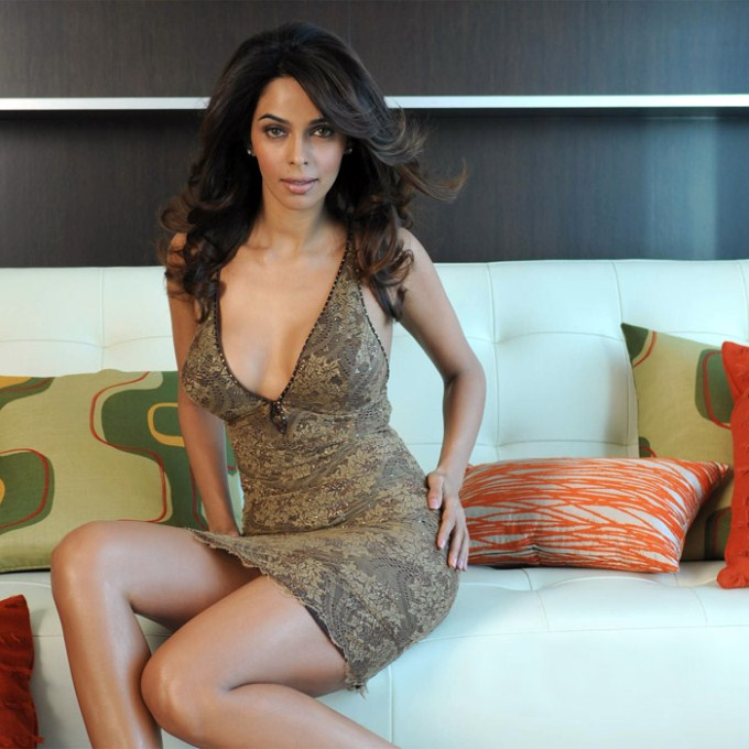 Mallika Sherawat Without Bra Pictures