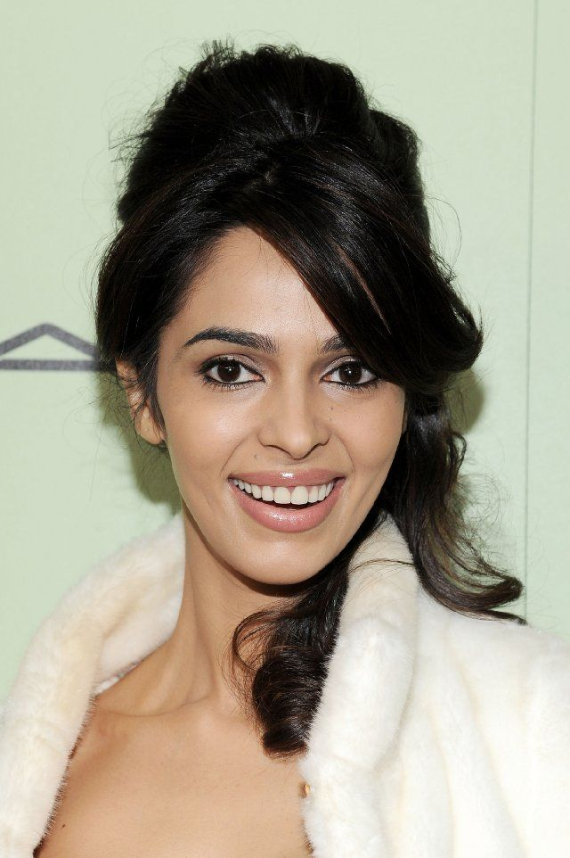 Mallika Sherawat Without Makeup Pictures