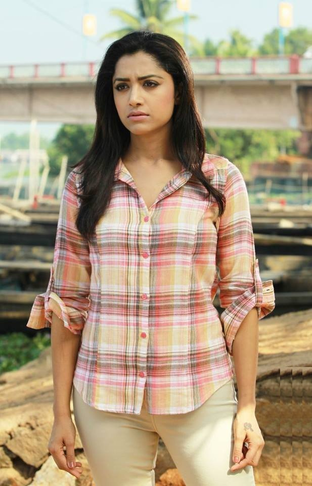 Mamta Mohandas Hair Style Pictures