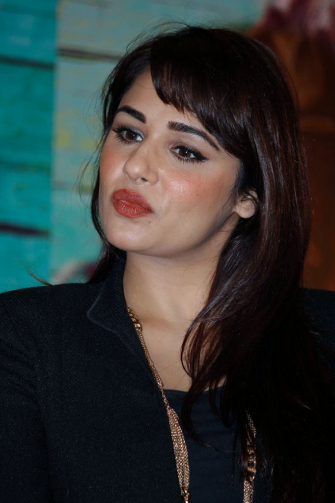 Mandy Takhar Makeup Pictures
