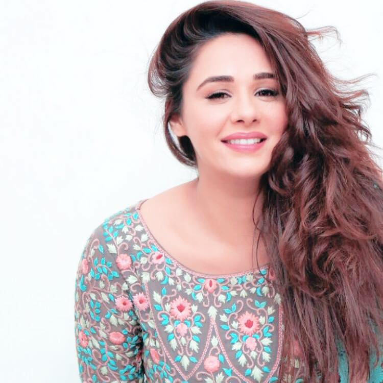 Mandy Takhar Smile Wallpapers