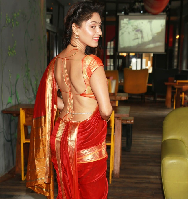 Manjari Phadnis Backless Butt Pics
