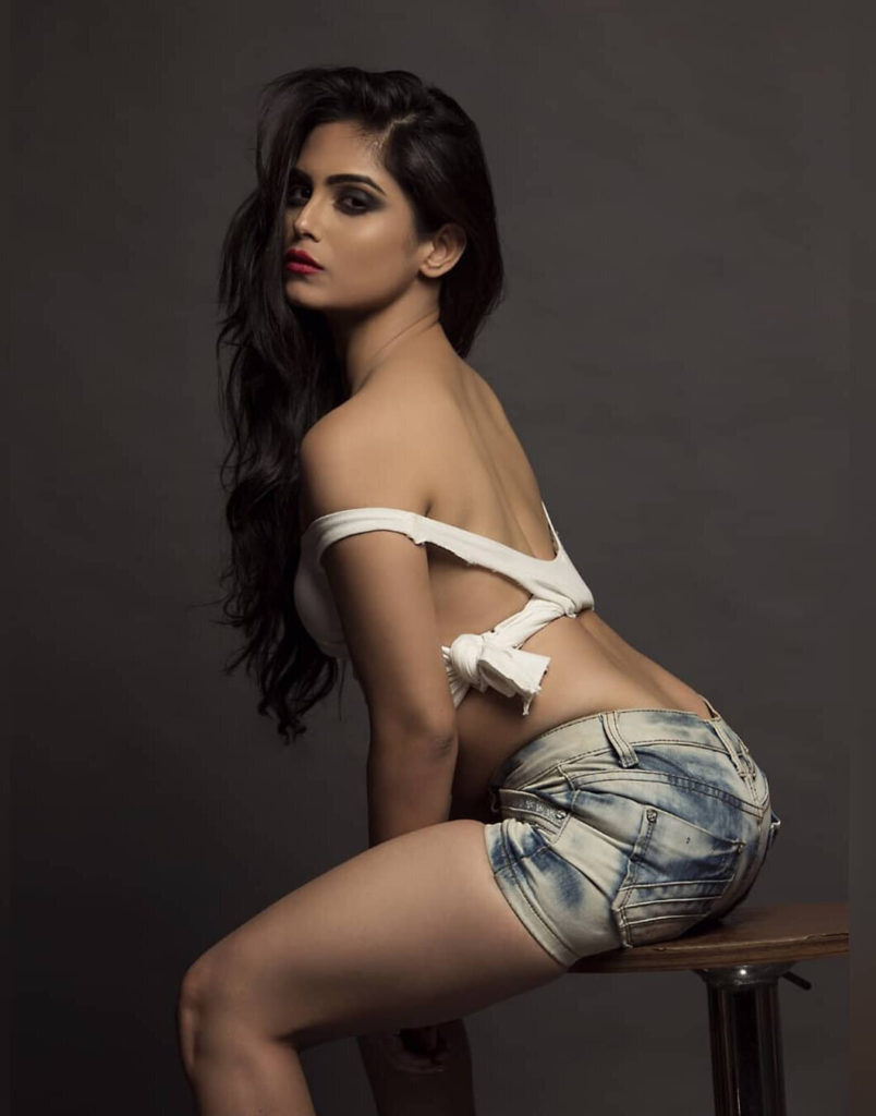 Naina Ganguly Undergarment Pictures