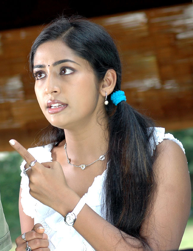 Navya Nair Topless Pictures