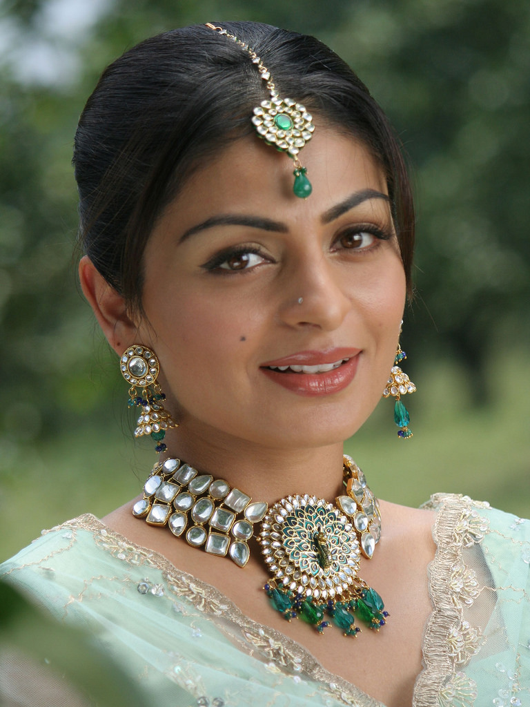 Neeru Bajwa Cute Smile Images