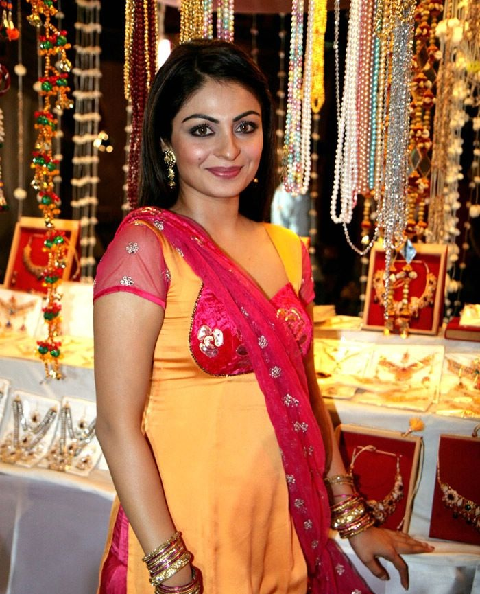 Neeru Bajwa Hot Images