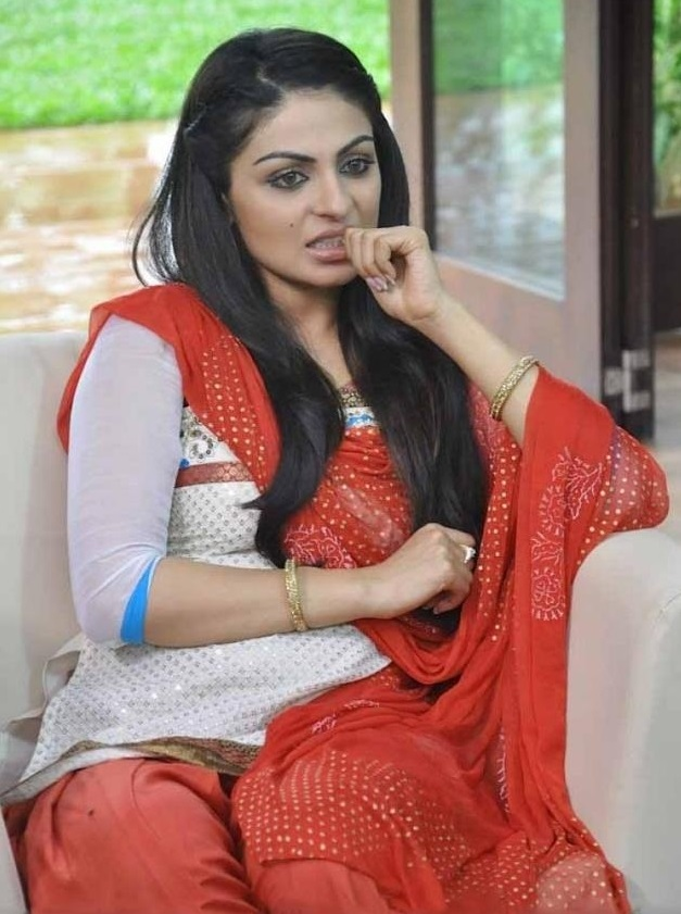 Neeru Bajwa Leggings Images