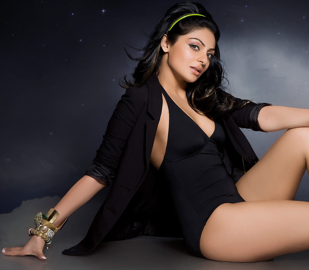 Neeru Bajwa Swimsuit Images