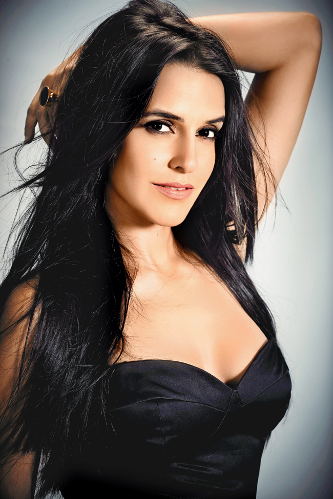 Neha Dhupia Without Bra Pictures