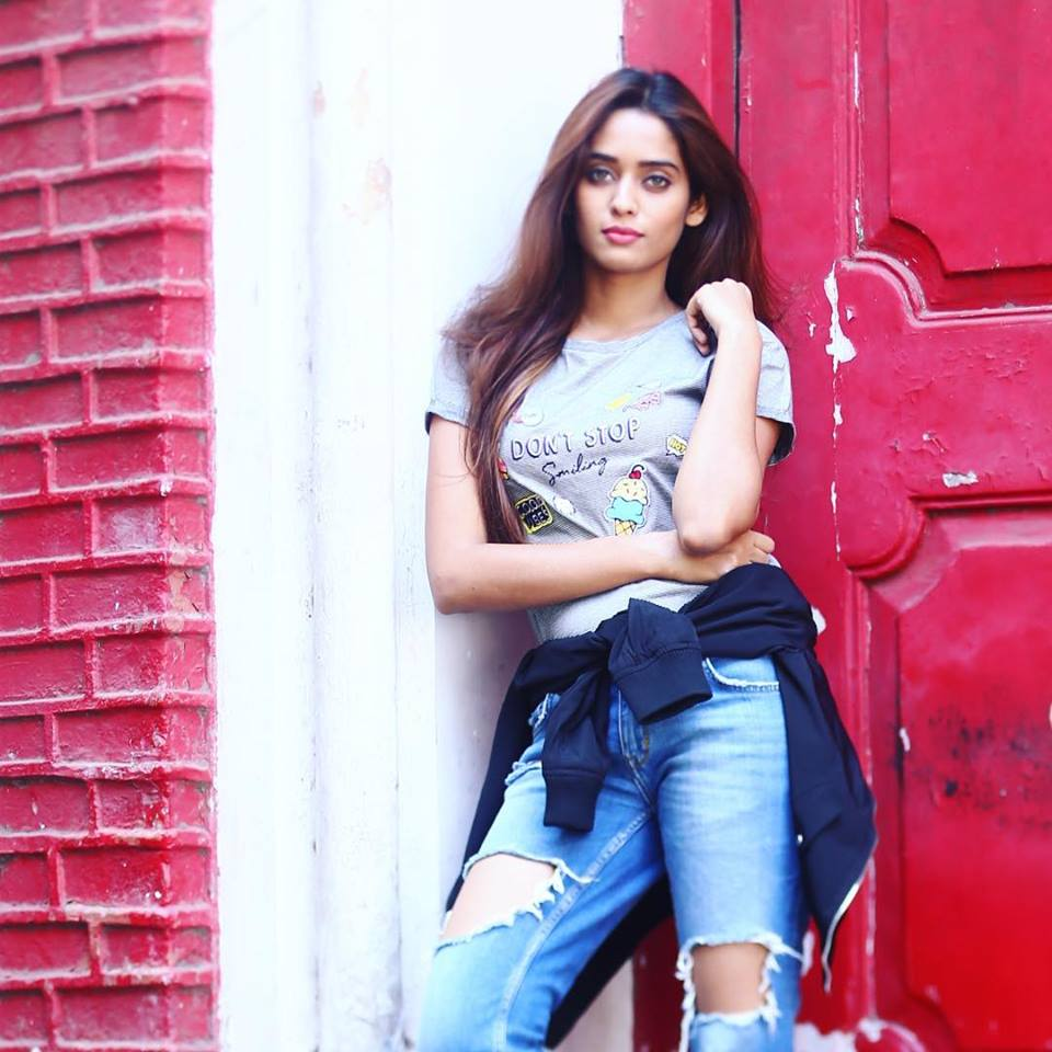 Neha Saxena Jeans Wallpapers