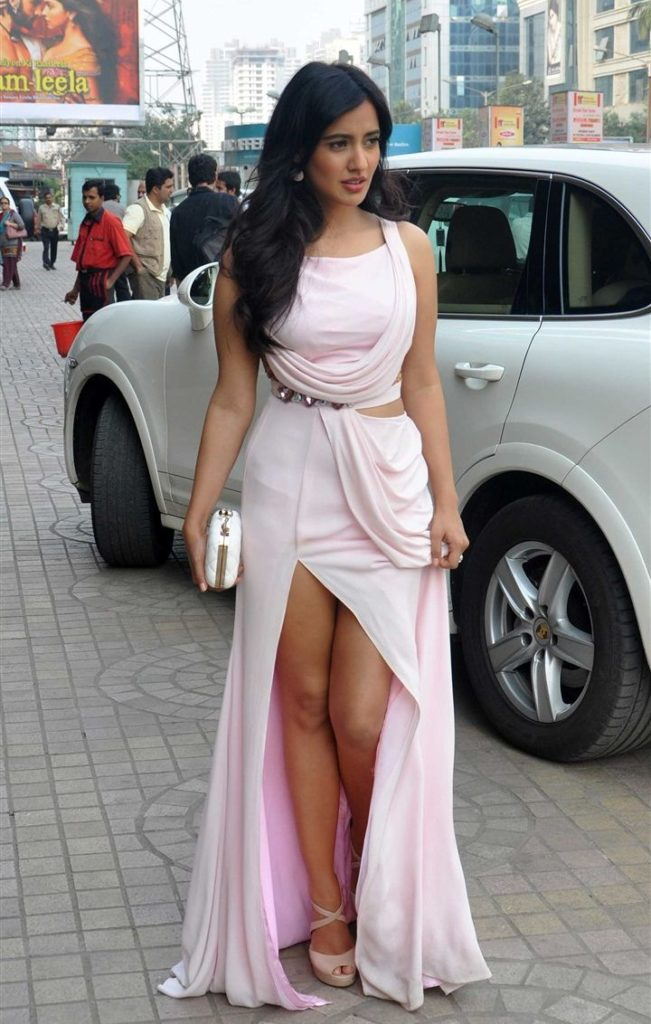 Neha Sharma Oops Moment Images